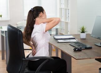Kvinde med rygproblemer